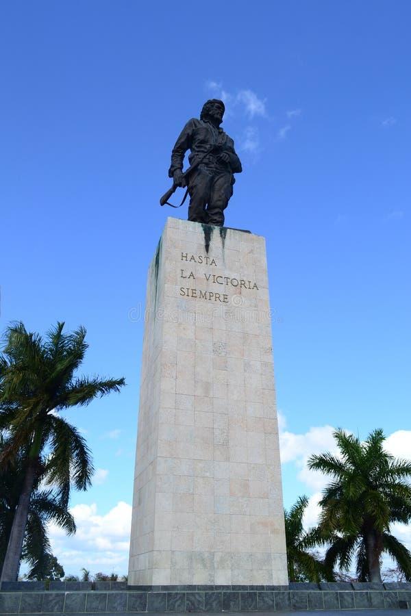 埃内斯托切・格瓦拉雕象纪念品和陵墓的在圣塔克拉拉,古巴 库存图片