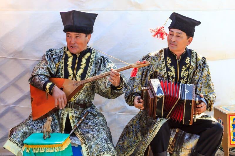 埃利斯塔 郁金香节日 艺术家民间传说合奏 免版税库存照片