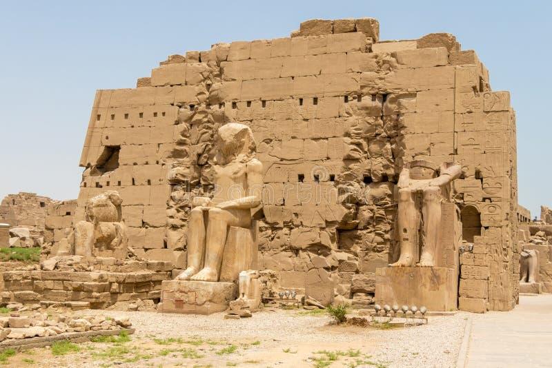 埃及人阿蒙寺庙的第七座定向塔,卡尔纳克,卢克索,埃及 库存照片