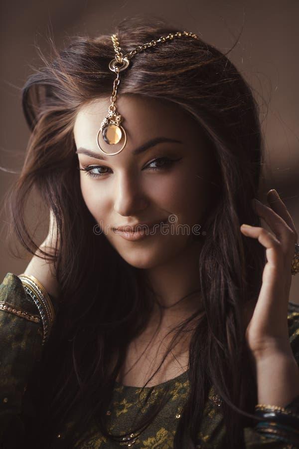 埃及公主帕特拉在沙漠 库存图片