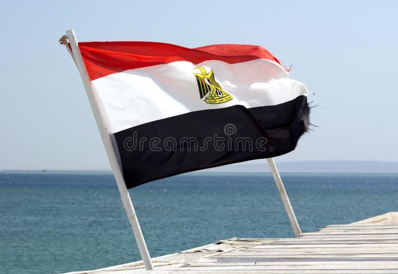埃及旗子和红海 免版税库存照片