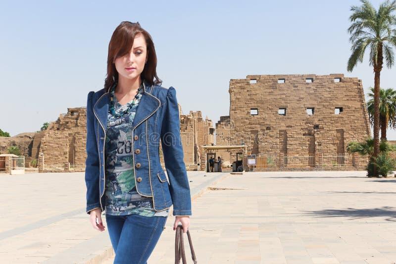 埃及的美丽的女孩游人 免版税图库摄影