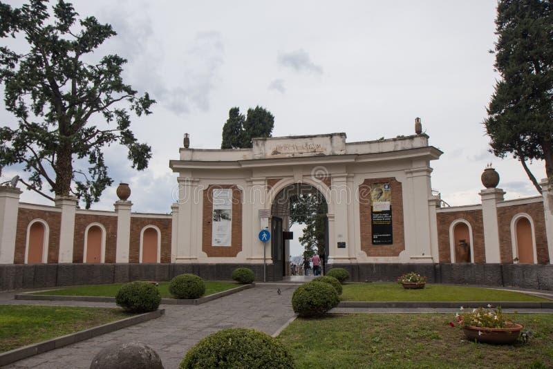 埃尔科拉诺,意大利- 2018年11月04日, 入口在埃尔科拉诺考古学公园 免版税库存图片