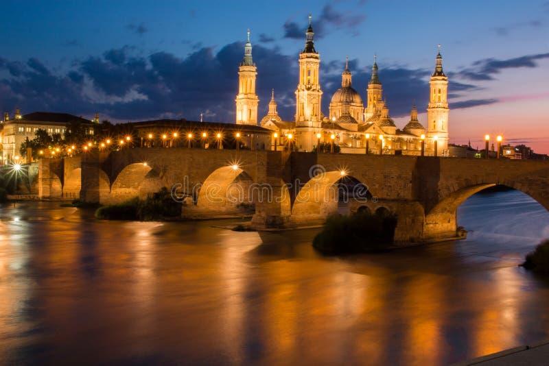 埃布罗河的西班牙萨瓦格萨巨大的市 免版税库存图片