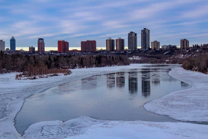 埃德蒙顿河谷地平线在冬天 库存照片