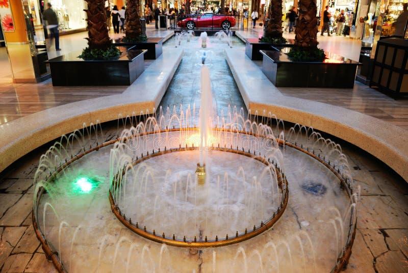 埃德蒙顿西方喷泉的购物中心 图库摄影