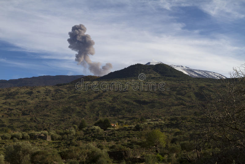 埃特纳火山,灰放射 库存照片