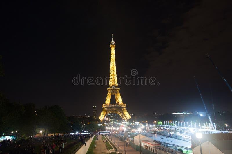 埃菲尔・巴黎塔 埃佛尔铁塔是爱和巴黎的标志 浪漫生活背景 免版税库存图片