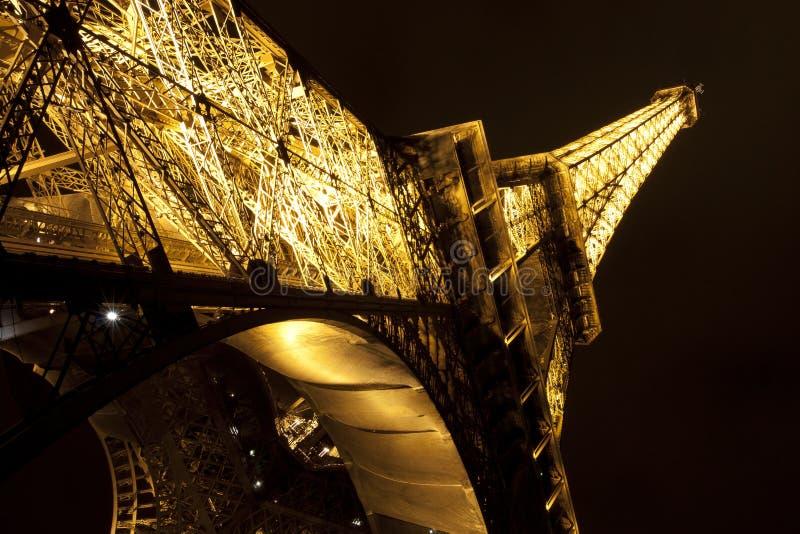 Download 埃菲尔晚上塔 编辑类库存图片. 图片 包括有 详细资料, 法国, 旅行, 拱道, 地标, 欧洲, 埃菲尔 - 15699379