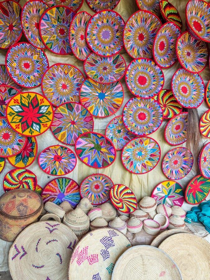 埃赛俄比亚的手工制造Habesha篮子在阿克苏姆,埃塞俄比亚卖了 免版税图库摄影