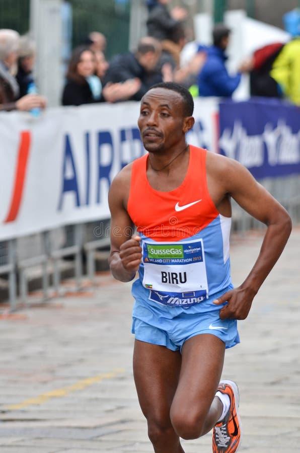 米兰市2013年马拉松男性优胜者 免版税库存照片