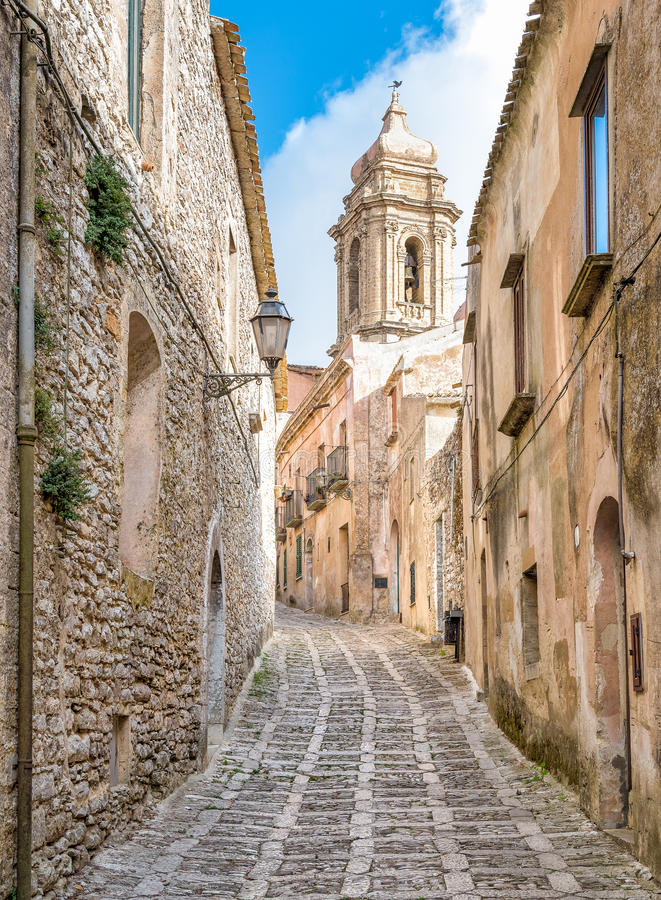 埃里切,西西里岛,意大利狭窄的街道  免版税库存照片