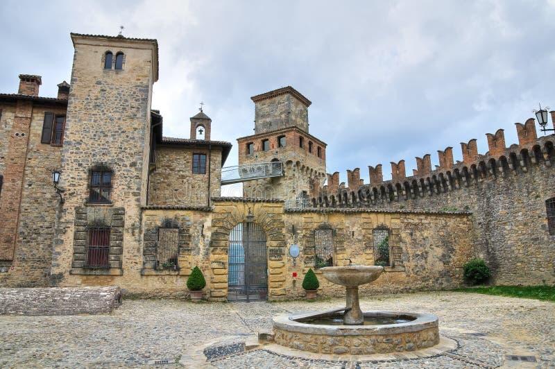 城堡一点红・意大利romagna vigoleno 免版税库存照片