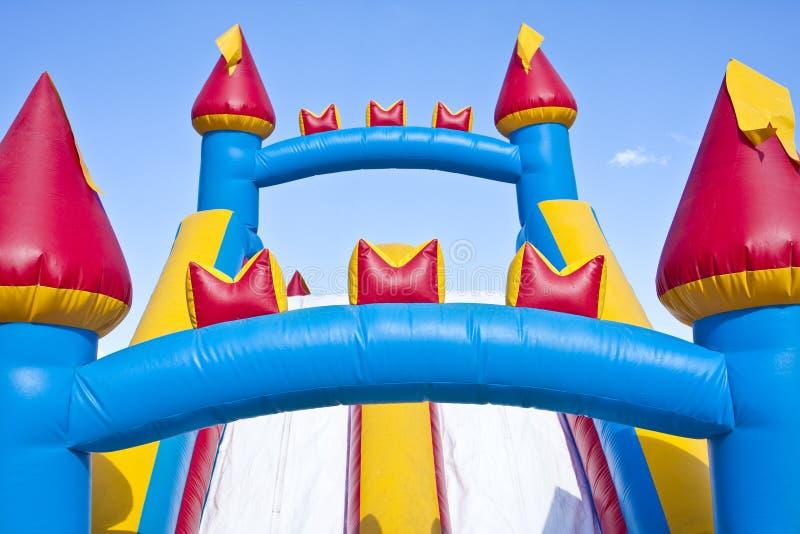 城堡儿童可膨胀的操场s 免版税图库摄影