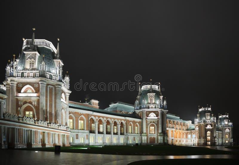 城堡历史照明设备博物馆晚上状态 免版税库存照片