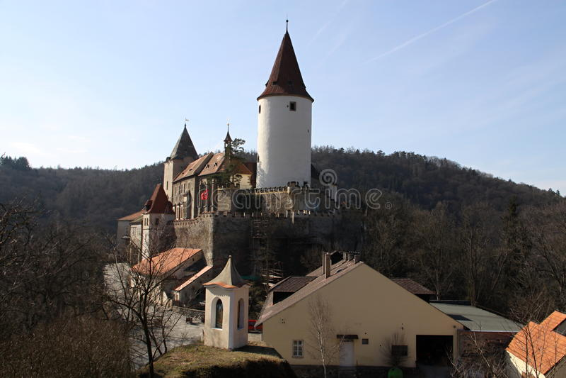 Download 城堡在中央波希米亚 库存图片. 图片 包括有 旅游业, 镇痛药, 晒裂, 石头, 天空, 横向, 防御, 城堡 - 30336197