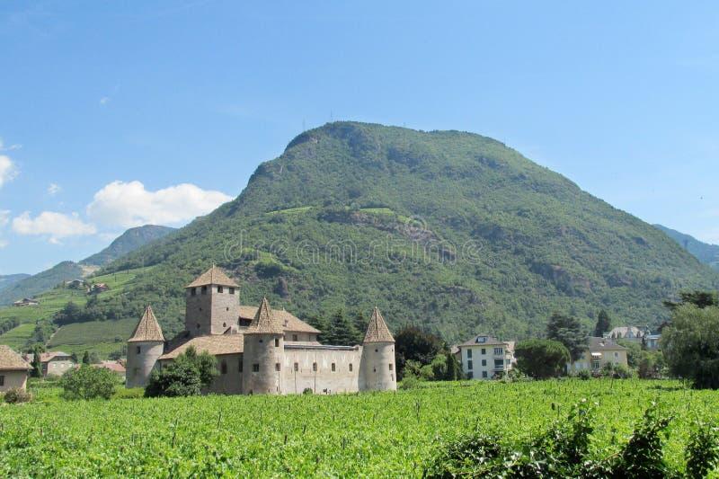 城堡在波尔查诺,意大利 免版税库存照片