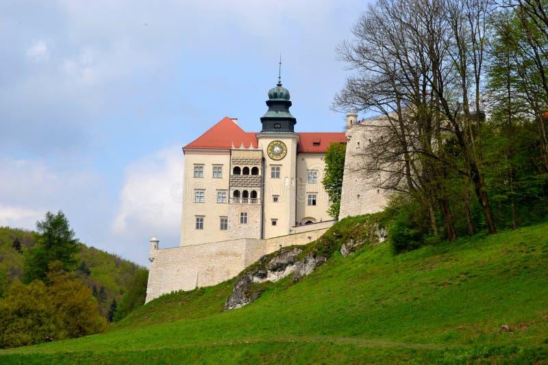 城堡在Pieskowa Skala 图库摄影