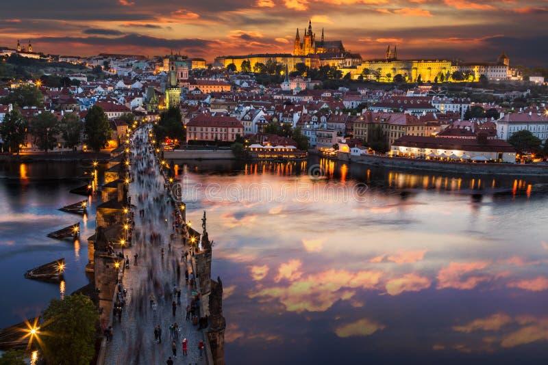 城堡布拉格日落 欧洲,捷克共和国 库存照片