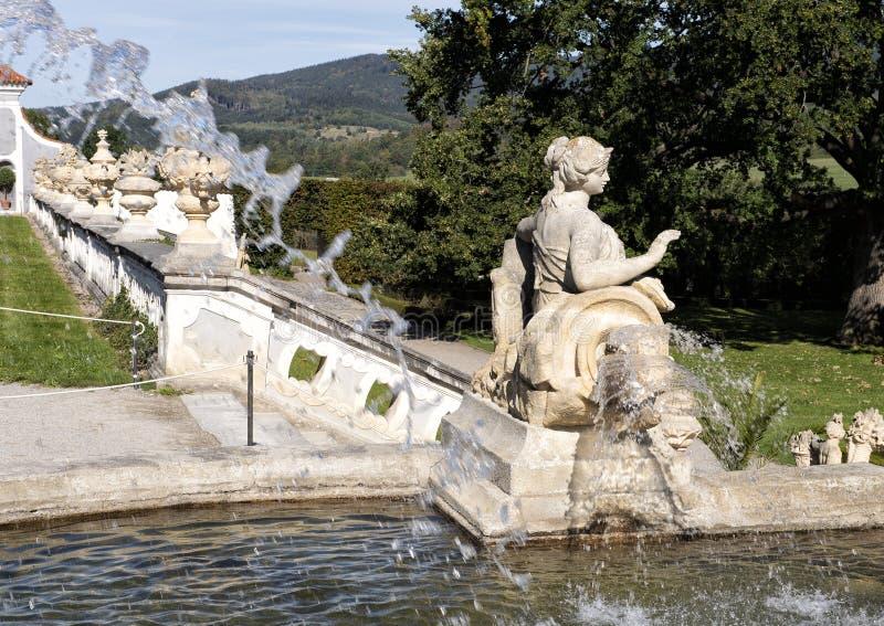 城堡庭院喷泉,捷克克鲁姆洛夫,捷克 库存照片