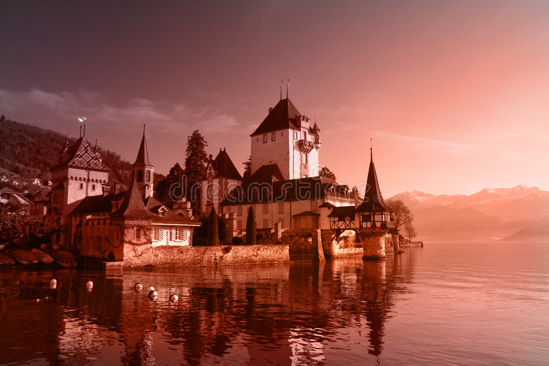 城堡日瑞士 免版税库存照片