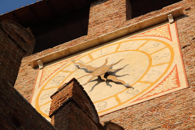 城堡时钟意大利老维罗纳 免版税图库摄影
