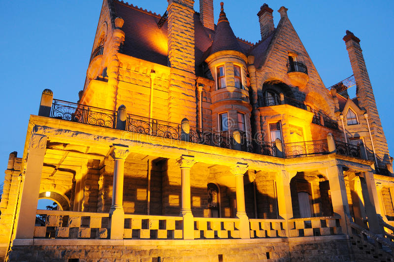 城堡晚上场面 免版税库存照片