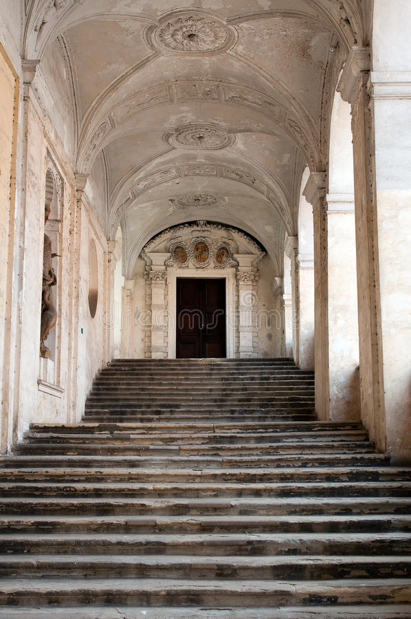 城堡楼梯 免版税库存图片