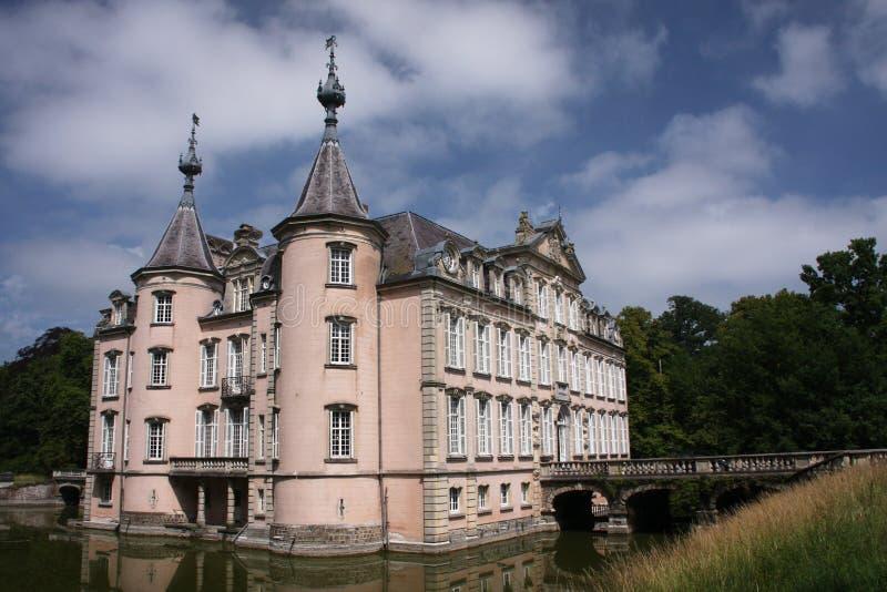 城堡池塘 免版税库存图片