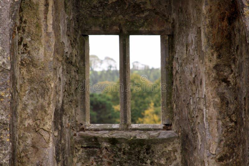 城堡的被隔绝的窗口 库存照片