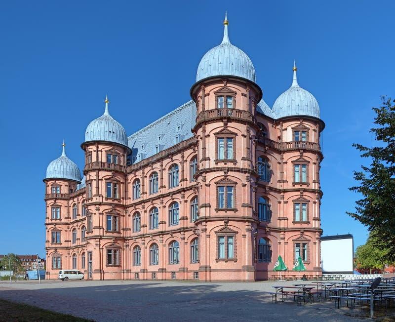 城堡Gottesaue在卡尔斯鲁厄,德国 库存图片