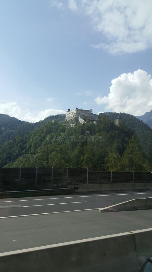 城堡lezhe阿尔巴尼亚登上天空 库存图片
