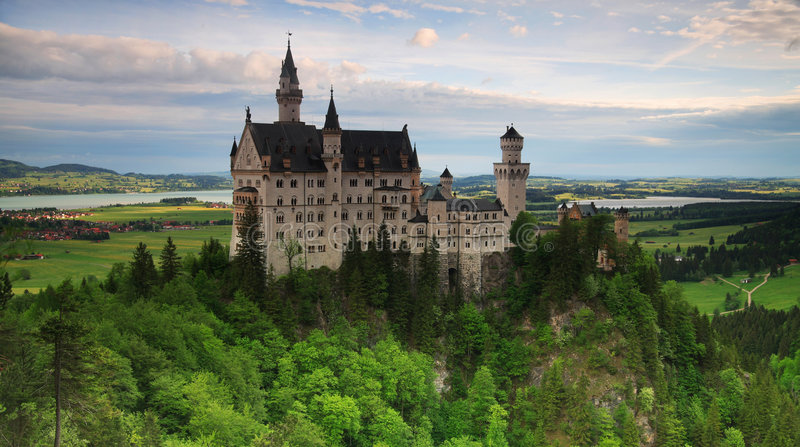 城堡neuschwanstein全景 免版税库存图片