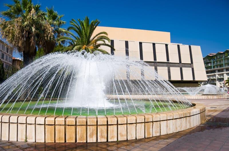 城市喷泉好的法国 免版税库存图片