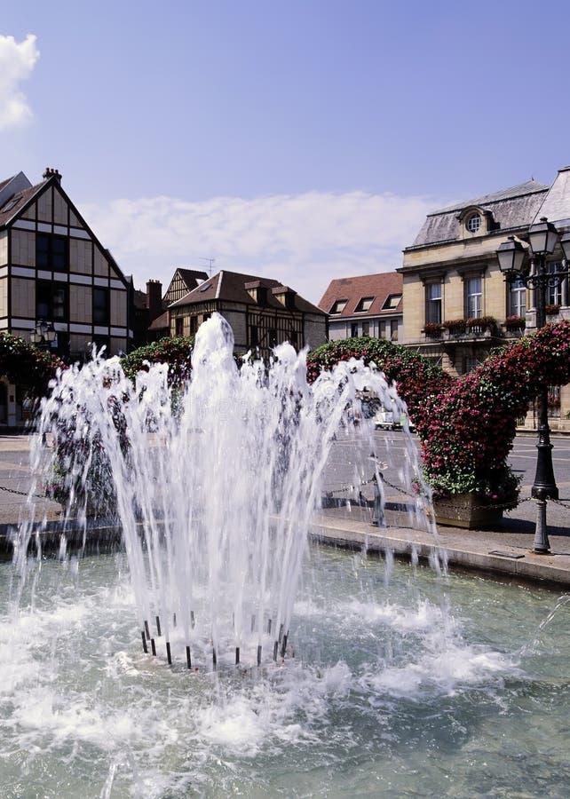 城市喷泉法语 库存照片