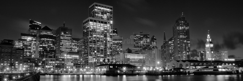 城市在晚上 免版税库存照片