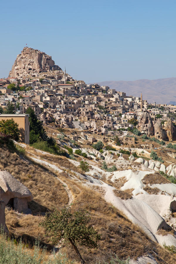 Download 洞城市在Cappadocia,土耳其 库存图片. 图片 包括有 侵蚀, 本质, 游人, 地质, 烟囱, scenics - 30335629