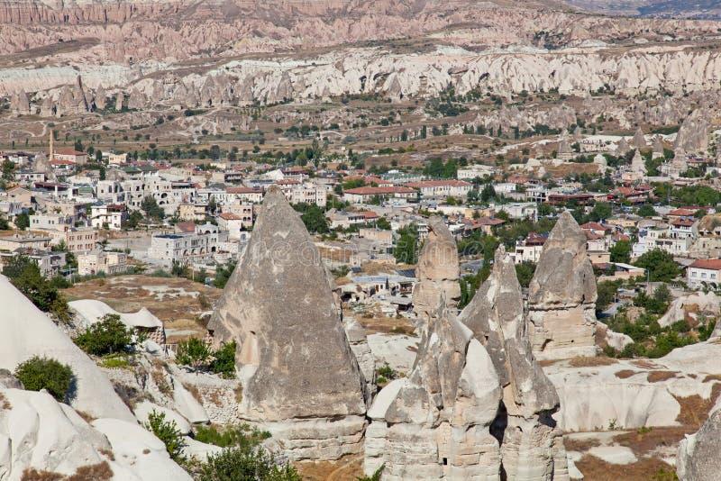 Download 洞城市在Cappadocia,土耳其 库存照片. 图片 包括有 被分析的, 晴朗, 游人, 岩石, 户外 - 30335940