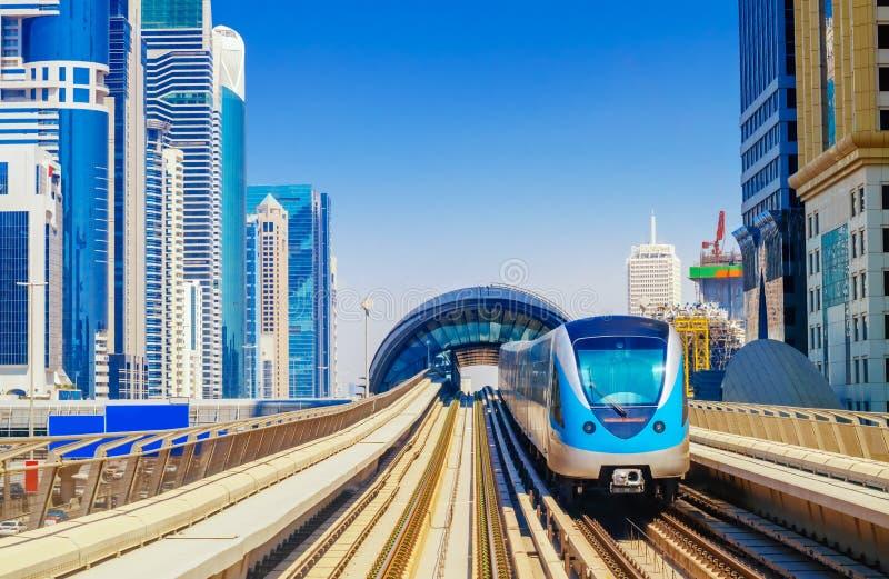 现在很多城市都有两个火车站吗? 火车站城市交通火车