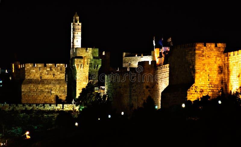 城市大卫耶路撒冷晚上老塔墙壁 免版税图库摄影