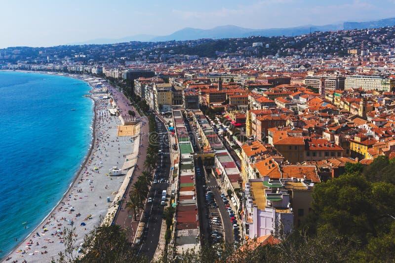 城市尼斯,法国法国海滨的一幅全景 免版税库存照片