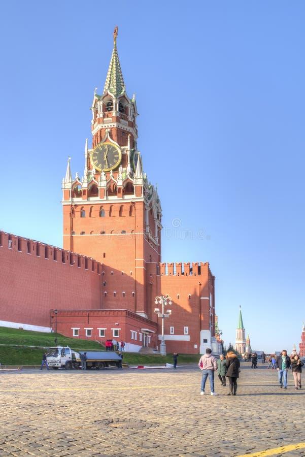 城市日克里姆林宫室外的莫斯科 克里姆林宫 克里姆林宫莫斯科晚上红色spasskaya正方形塔 库存图片