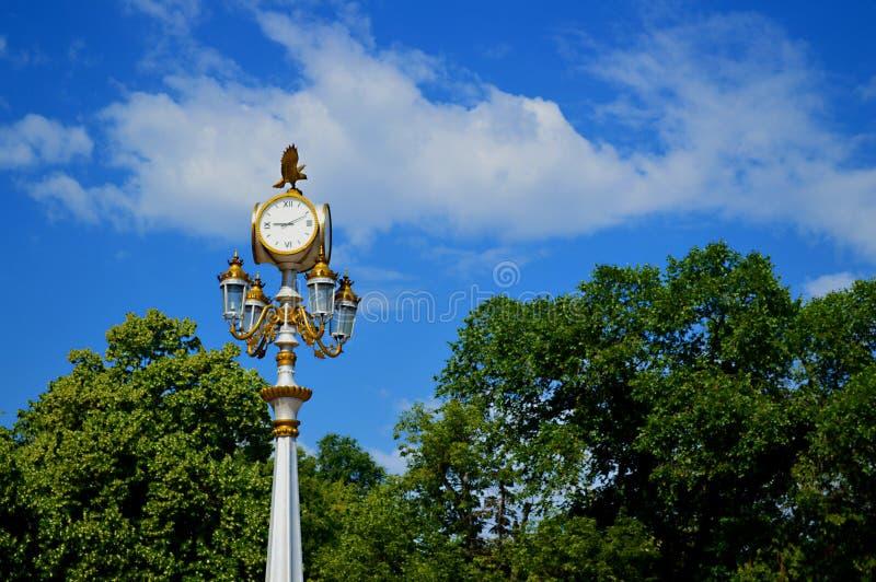 城市时钟灯笼,阿尔玛蒂 地标 免版税库存图片