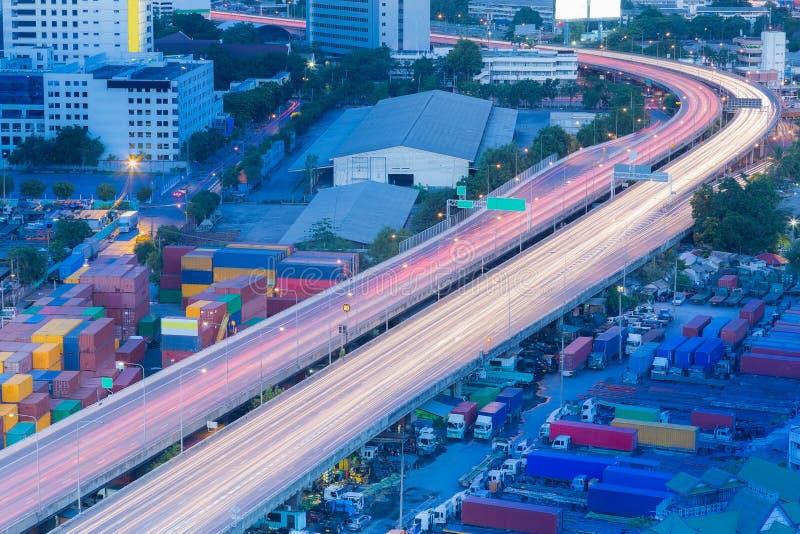 城市明确高速公路弯曲的长的曝光 库存图片