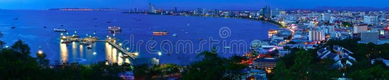 城市晚上全景pattaya泰国视图 免版税库存照片