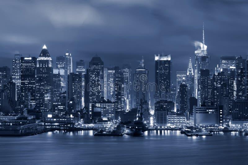 Download 城市曼哈顿纽约 库存照片. 图片 包括有 北部, 场面, 亚马逊, 都市, 旅行, 外部, 城镇, 码头 - 22353698