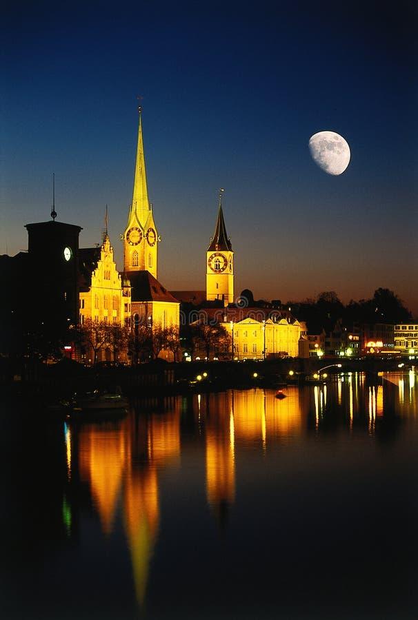 城市月亮晚上苏黎世 库存图片