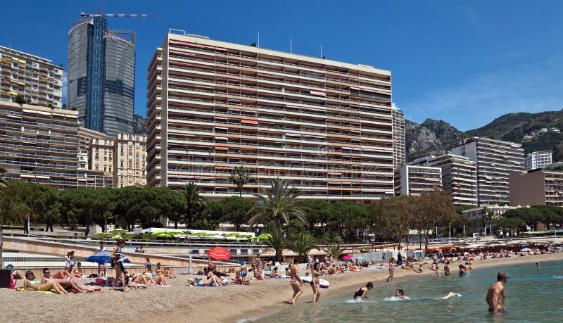 从城市海滩的摩纳哥-蒙地卡罗大厦 免版税图库摄影