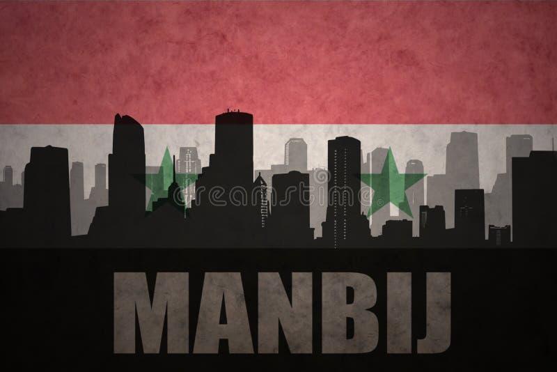 城市的抽象剪影有文本的Manbij在葡萄酒叙利亚人旗子 皇族释放例证