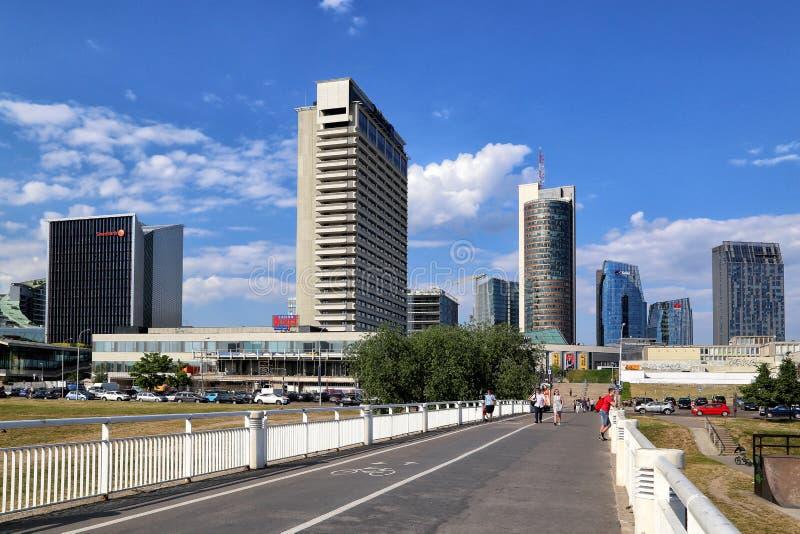 城市的现代部分的看法从河的 库存照片